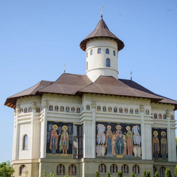 Biserica Sf. Daniel din București, sonorizată de Amro Grup